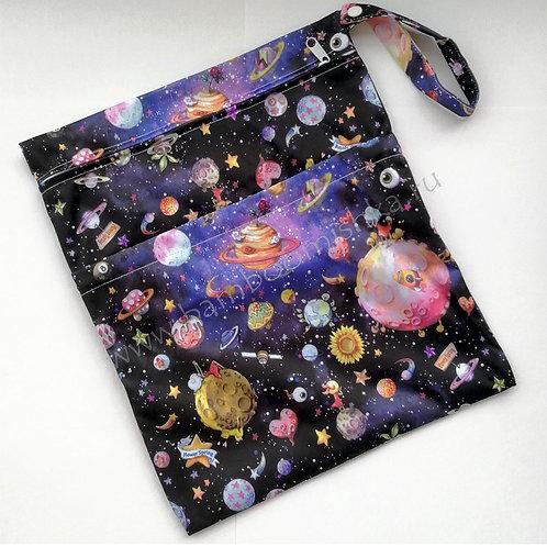 """Непромокаемая сумочка для подгузников с карманом """"КОСМОС"""""""