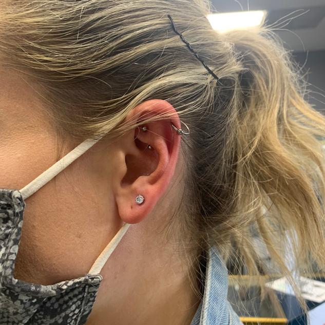 K ear3.jpg