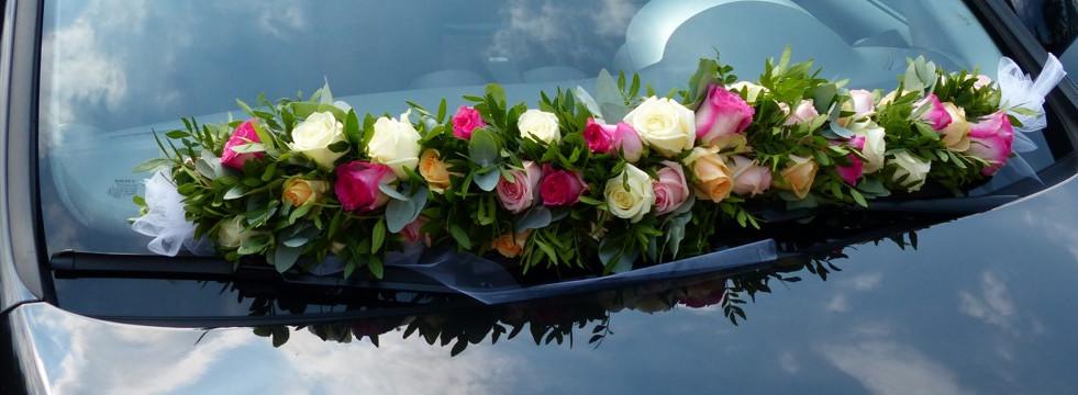 Auto versiering met rozen
