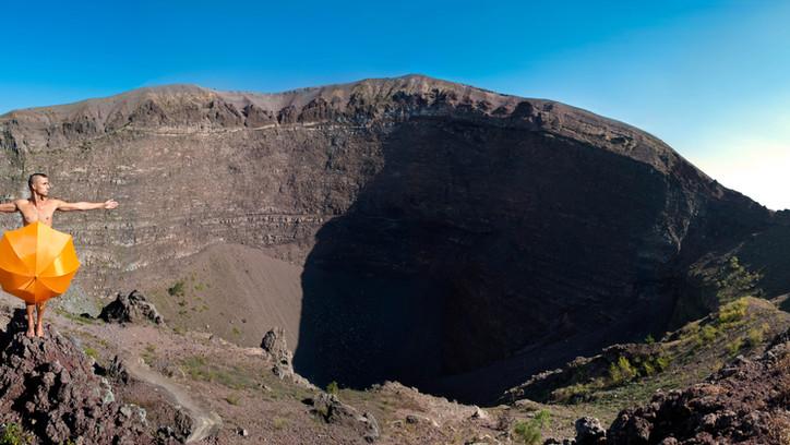Vesuvio standing final.jpg