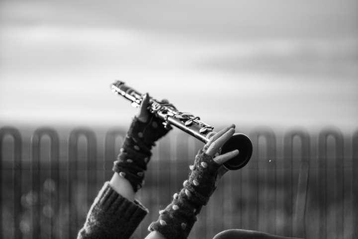 Karen Wimhurst Held Clarinet BW