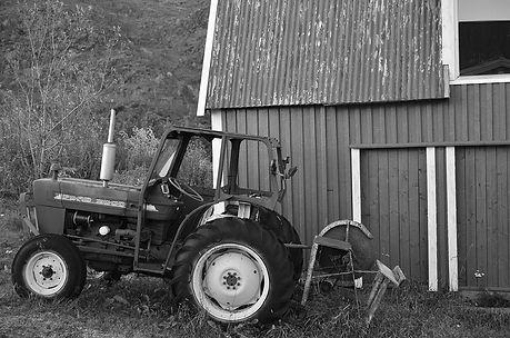 Vatnvåg_traktor.jpg