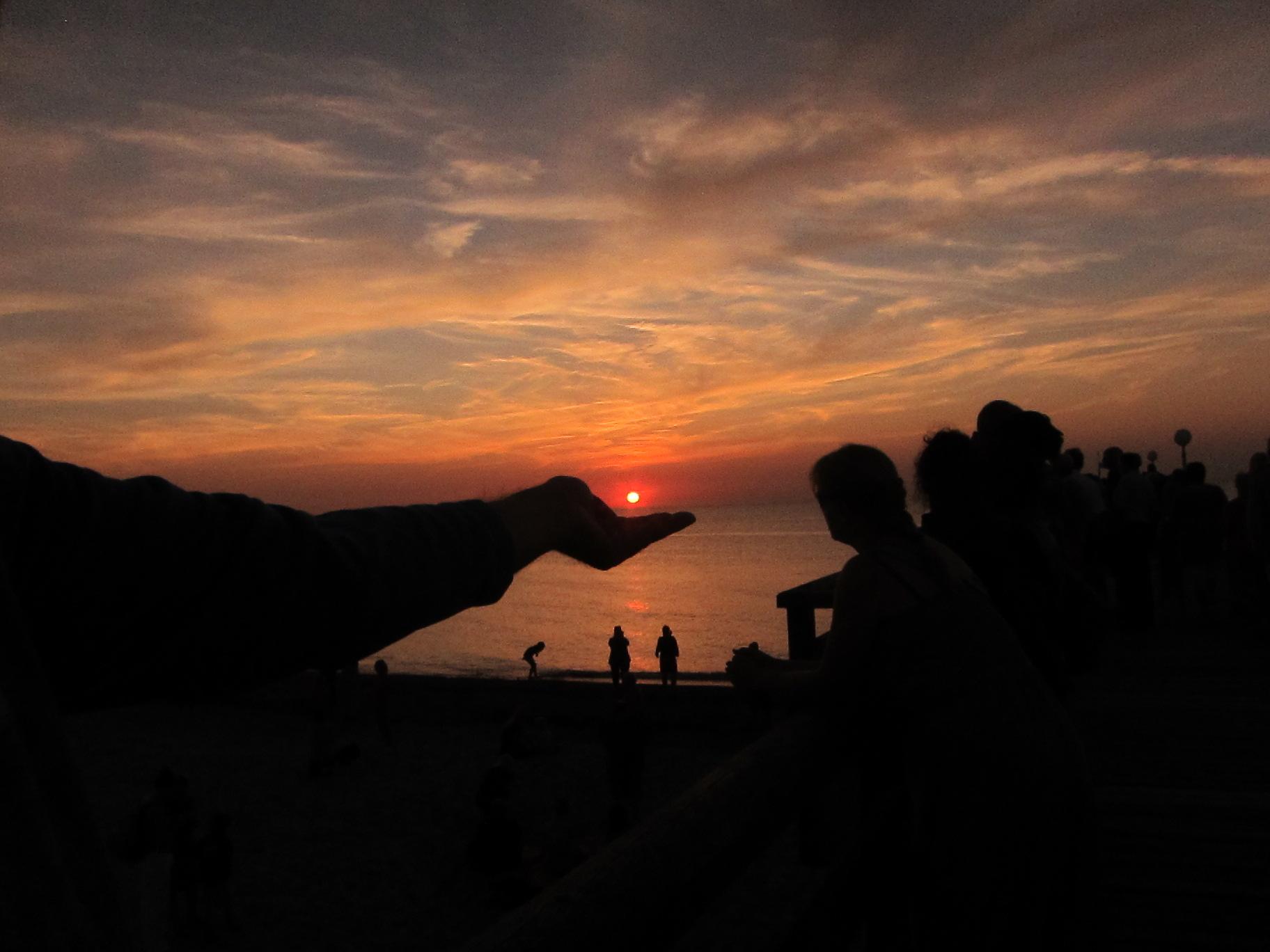 Wie klein doch die Sonne ist?