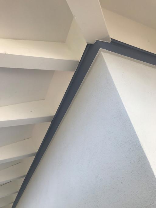 Fassade Dachuntersicht Fries.jpg