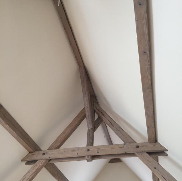 Freigelgete Dachkonstruktion