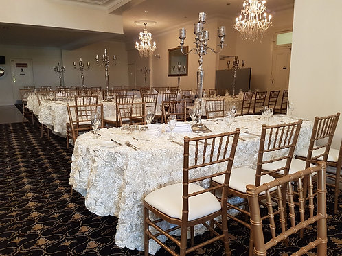 Ivory Rosette Table Cloths Round