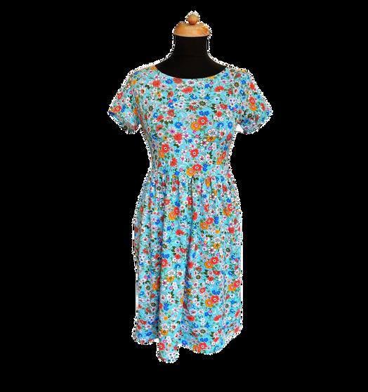 Řasené šaty
