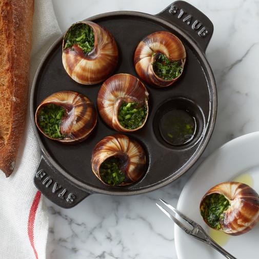 staub-cast-iron-escargot-dish-with-6-hol