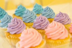 cupcakes-2285209_1920.jpg