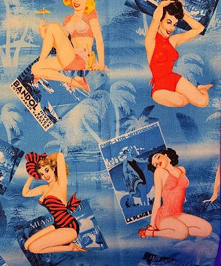 Pin Up Beach Girls
