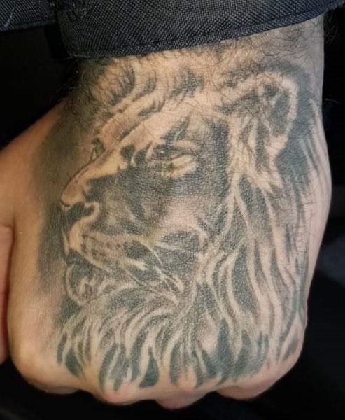 Lion-hand-tat