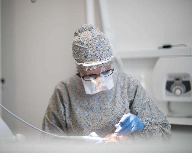 Calot de bloc chirurgical et surblouse LIBERTY LONDON X OFF WHITE