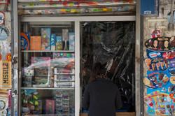 Tienda de alimentación durante el estado de alarma en Madrid.