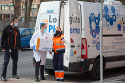 Llegada de las primeras dosis de la Vacuna a una Residencia de mayores en Vallecas, Madrid.