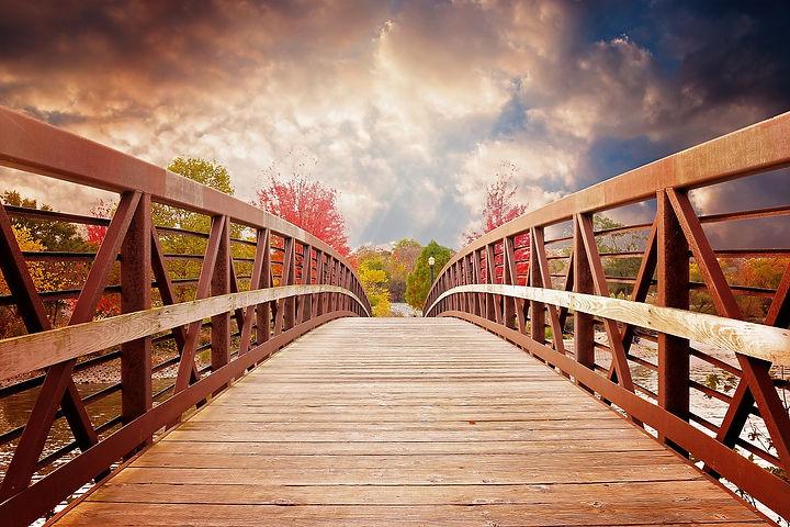 bridge-1385938_1280.jpg