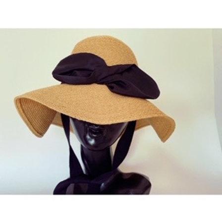 ribbon motif hat