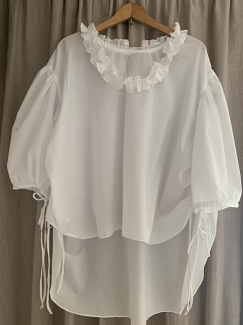 necklace blouse/wht