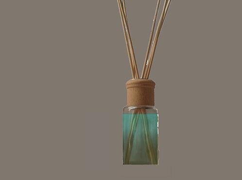 Diffuser Glass bottle + Reeds + Base Oil