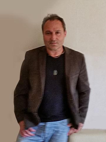 Manu Delpech Photo.jpg