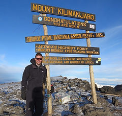 hiking mount kilimanjaro with acacia holidays