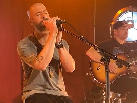 Daughtry + Sevendust covrer ikonisk grungelåt