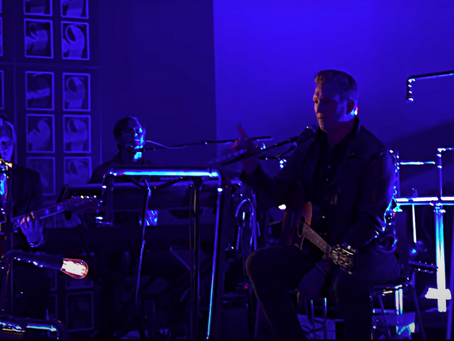 QOTSA med live-video