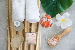 Himalayan salt decorate with spa set..jp