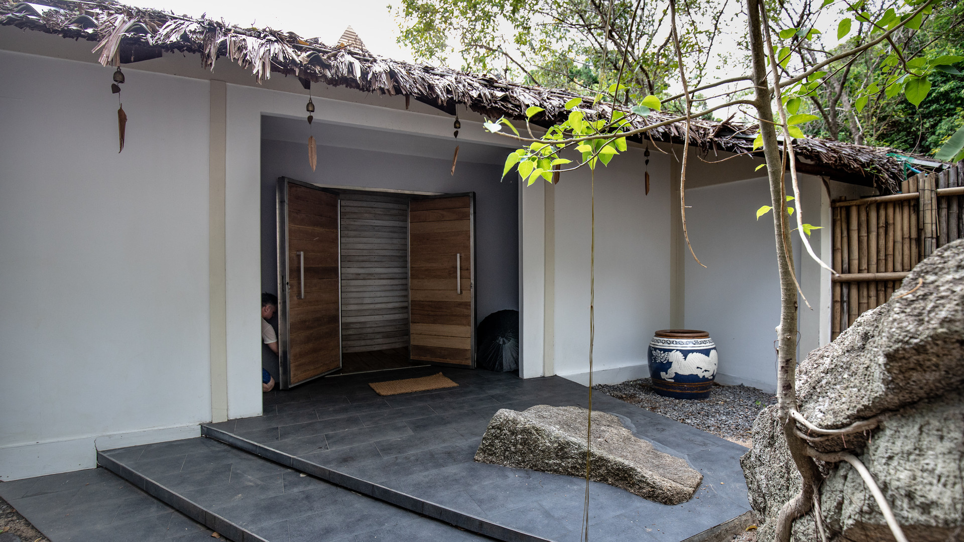 Main general entrance of the Hedonist Villa