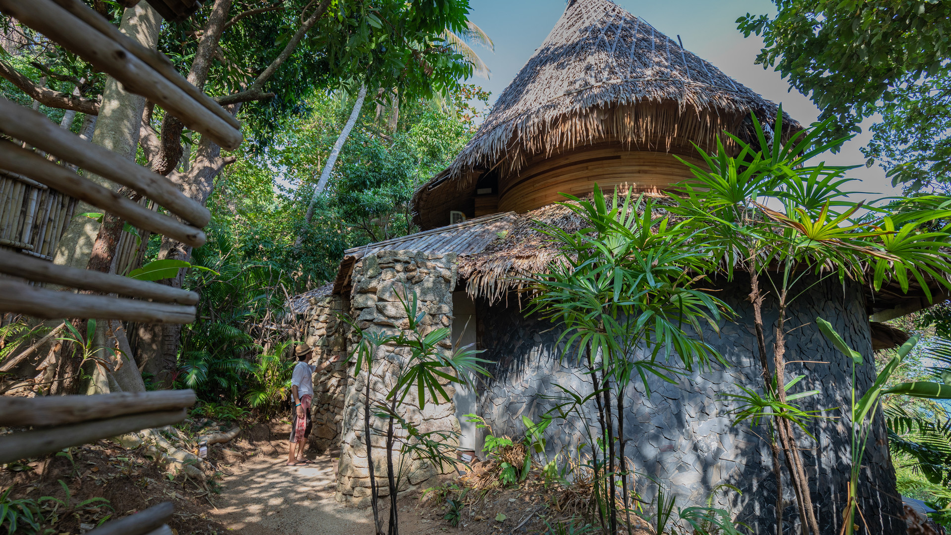 Private front garden I Sanghamitra Villa