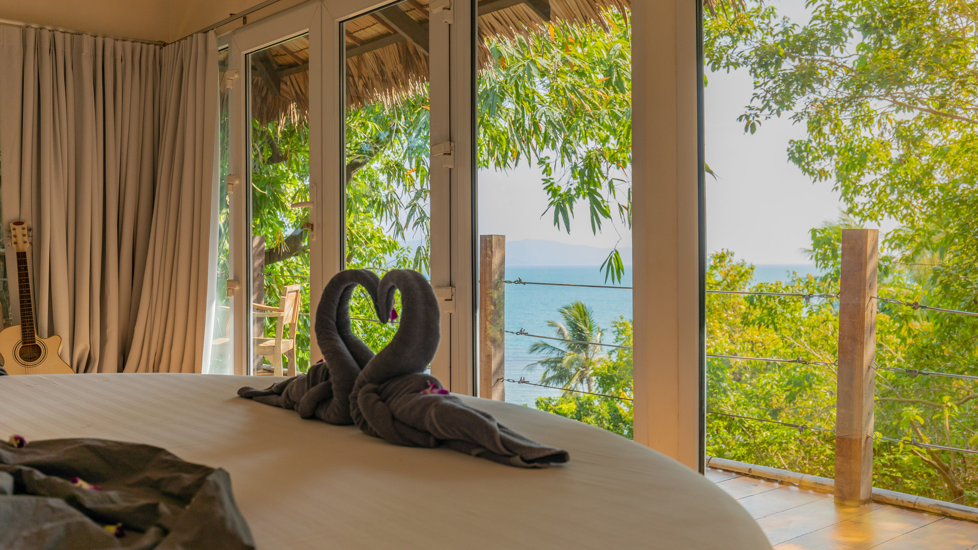 Sea view in full privacy at Hedonist Villa