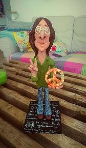 håndlavede personlig figur lavet i ler, en personlig gave dansk designet