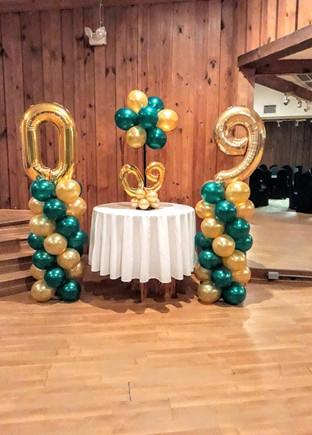 #09 Balloon Columns