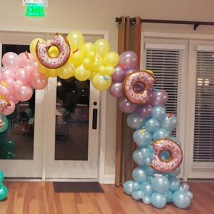 6ft x 8ft Donut Organic Arch w/ Sprinkles