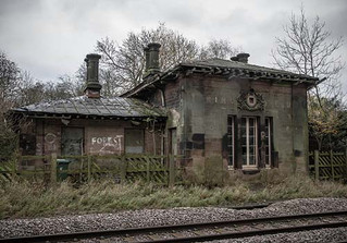 Last chance to rescue the only remaining Francis Thompson Railway Station