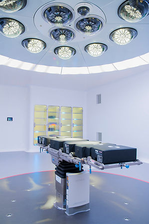 Surgical operating room; surgical lighting; surgical operating table; surgical supply cabinets
