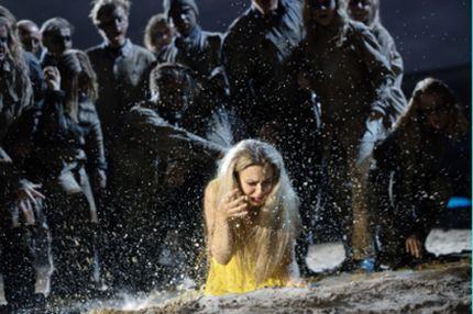 La Sonnambula premiere and role debut