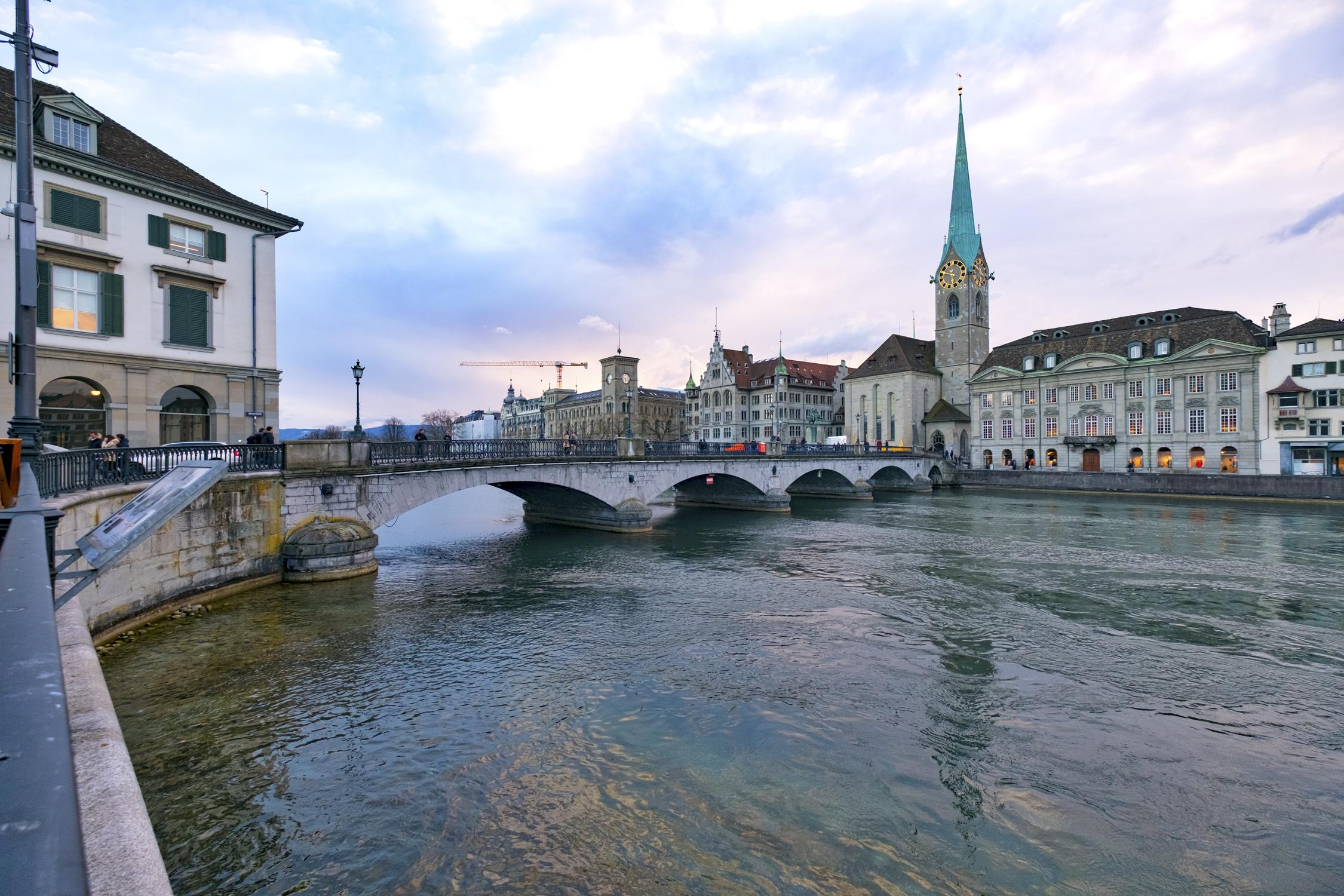 Münsterbrücke und Fraumünster