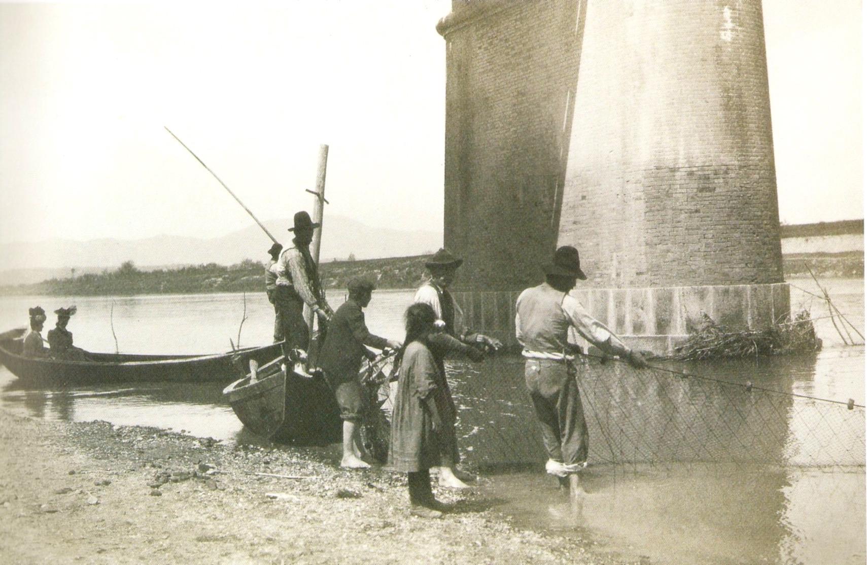 Pesca alle cheppie a Castelfranco, 1908
