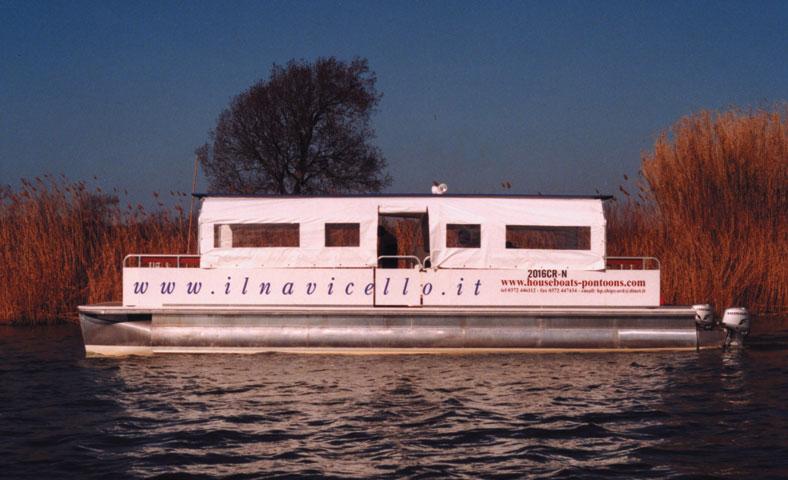 Navicello sull'Arno