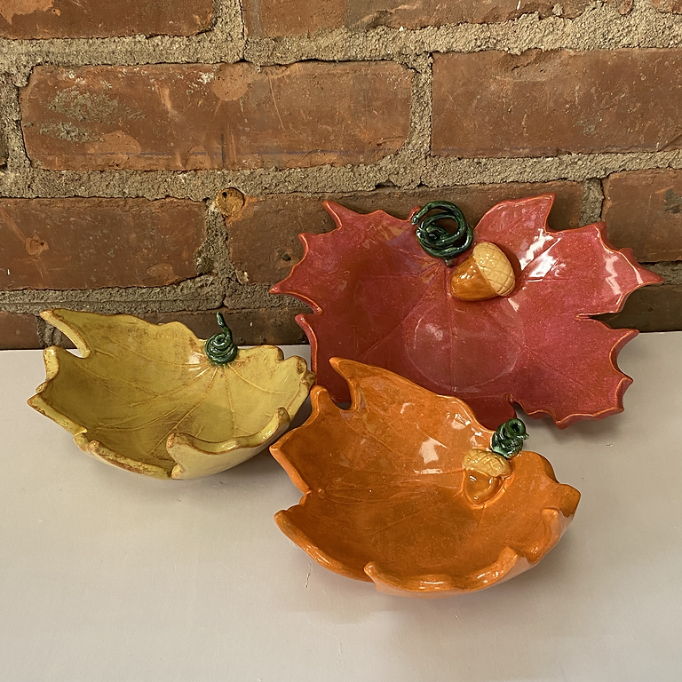 PLAY WITH CLAY - Leaf Bowls