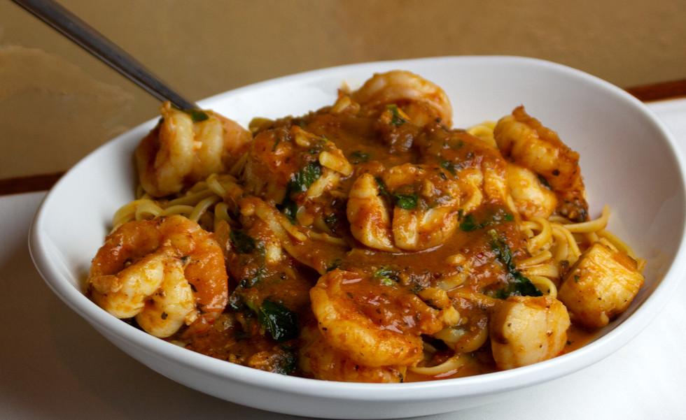 Shrimp-Scallops-Pasta_Paisanos.jpg