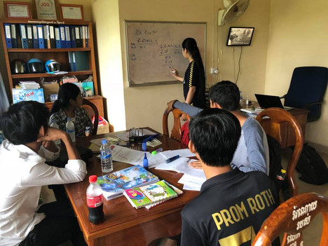 12th Graders Conduct Self Learning at JGG