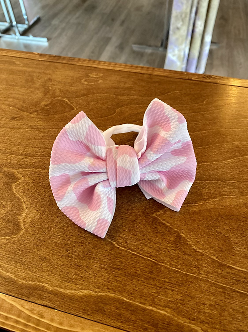 Cow bow