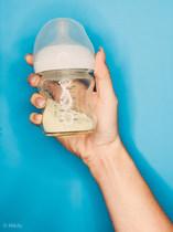 Bottle with breast milk powder
