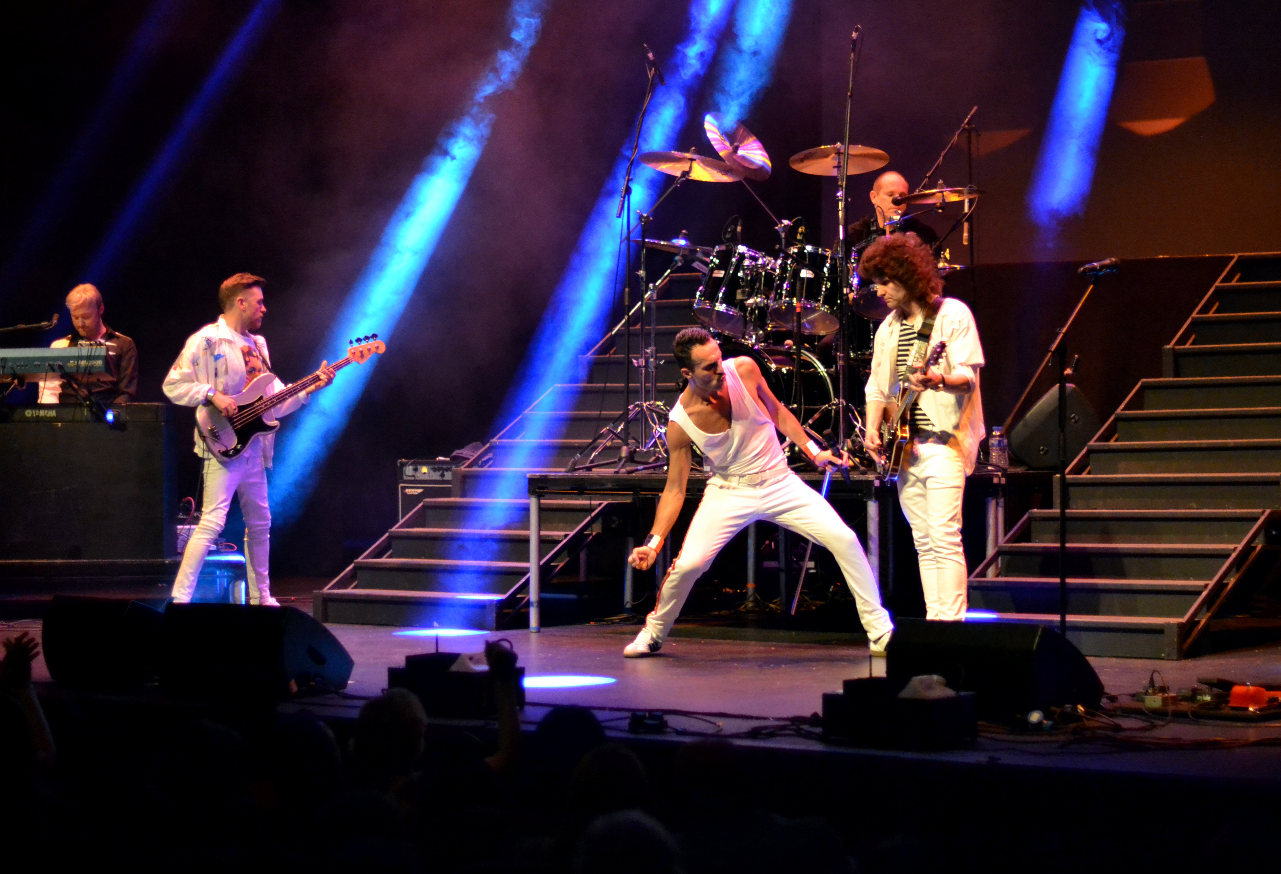Flash Queen Tribute Band Theatre 6