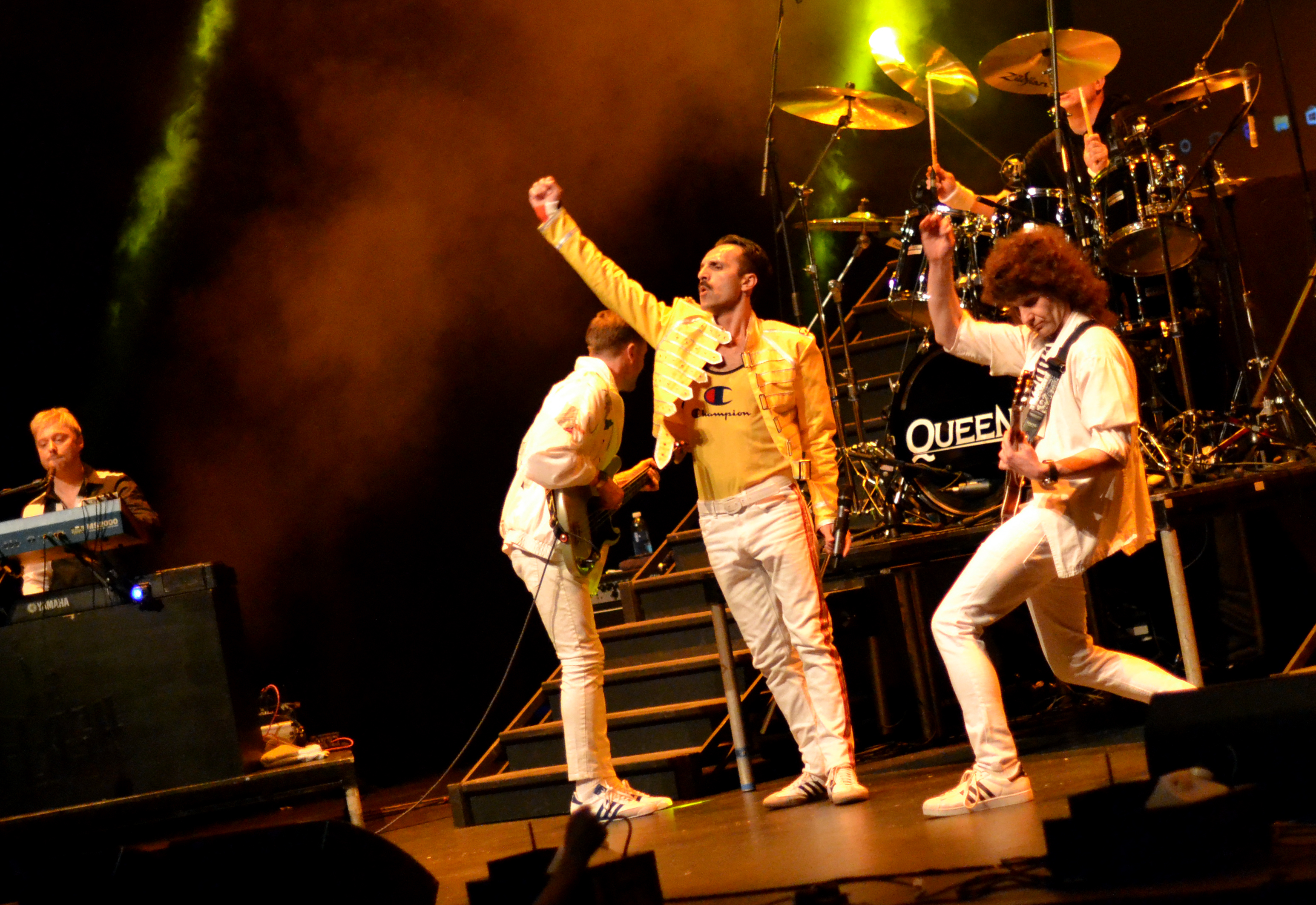 Flash Queen Tribute Band Theatre 1
