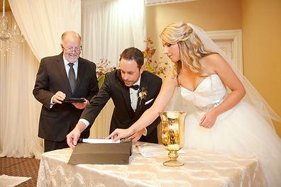 john shore, john shore wedding officiant, queens landing hotel, niagara-on-the-Lake weddings, vintage hotel wedding, cathydavis and company