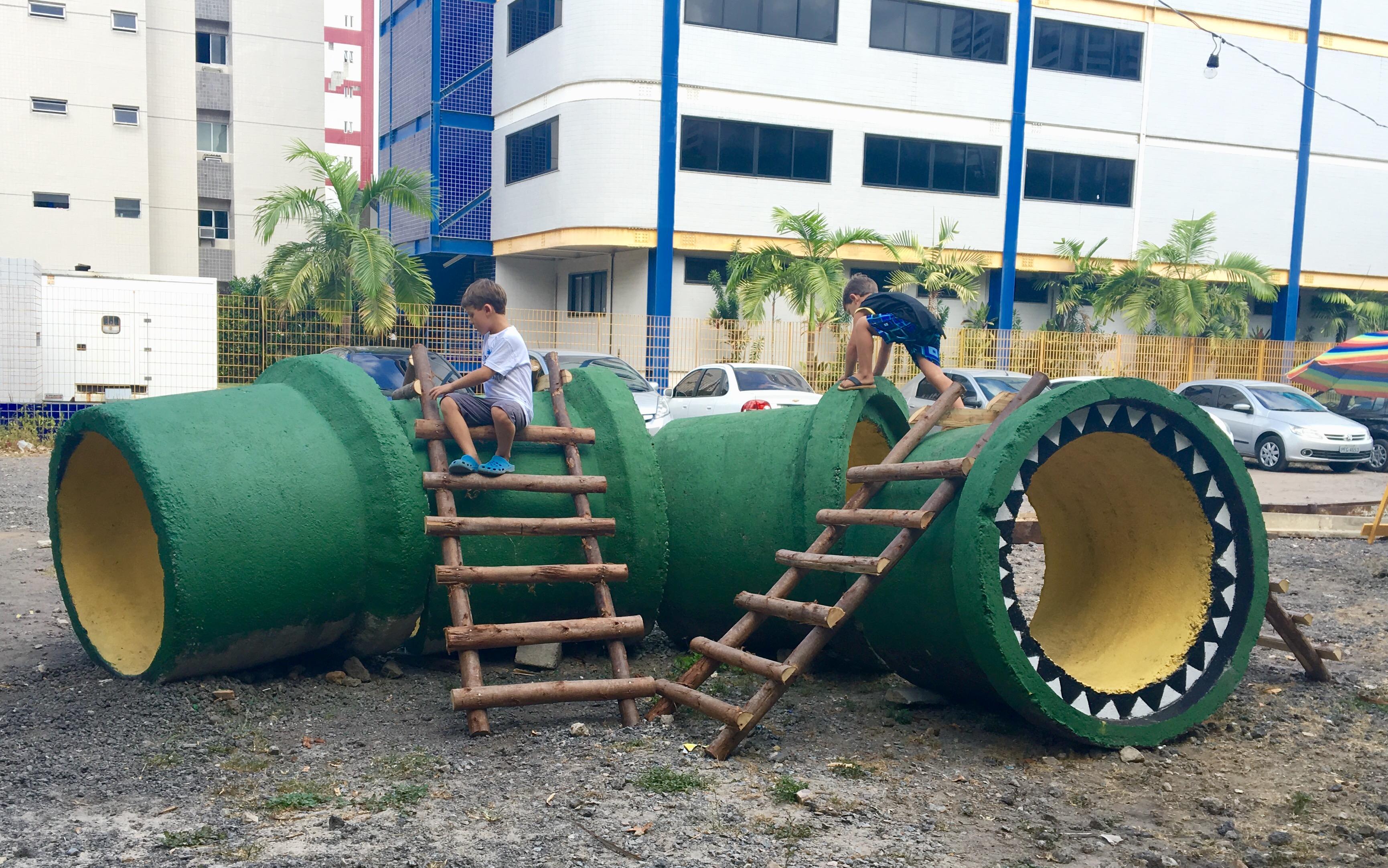 Brinquedos_para_as_crianças_Projeto_Parque_Capibaribe_credito_Ursula_Troncoso_(1)