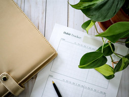 How To Form A Healthy Habit (And A Free Printable Habit Tracker)
