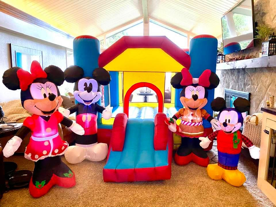 Mickey and friends decorations.